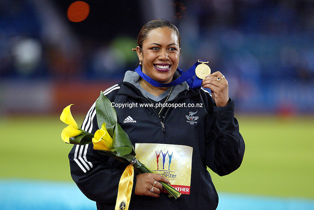 30 July 2002, City of Manchester stadium,Commonwealth Games, Manchester, England. Beatrice Faumuina celebrates winning gold in the Women's Discus and defending her Commonwealth title.<br />