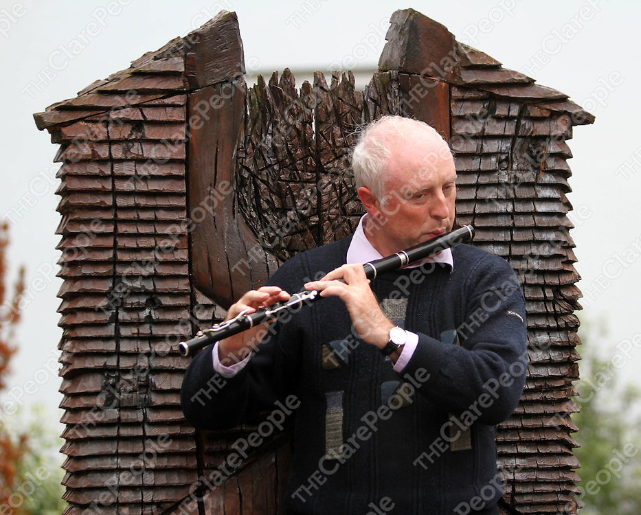 20/9/13 Pictured is Colm Nester who was performing on the Temple Gate Hotel Plaza as part of the Ennis Night of Culture. Pic Tony Grehan