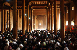Muslims gather inside the Jamia Masjid mosque for the first Fridy afternoon prayers of Ramadan in Srinagar, the summer capital of Kashmir, in India  November 23, 2001.  Kashmir has seen nearly 1000 civilians killed this year alone and 1,765 wounded in a brutal conflict that the United Nations calls the most dangerous place in the world.