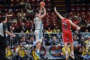 DESCRIZIONE : Beko Final Eight Coppa Italia 2016 Serie A Final8 Semifinale Olimpia EA7 Emporio Armani Milano - Vanoli Cremona<br /> GIOCATORE : Fabio Mian<br /> CATEGORIA : Tiro Tre Punti Three Point Controcampo Ritardo<br /> SQUADRA : Vanoli Cremona<br /> EVENTO : Beko Final Eight Coppa Italia 2016<br /> GARA : Semifinale Olimpia EA7 Emporio Armani Milano - Vanoli Cremona<br /> DATA : 20/02/2016<br /> SPORT : Pallacanestro <br /> AUTORE : Agenzia Ciamillo-Castoria/L.Canu