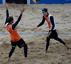 16-08-2014 NED: NK Beachvolleybal 2014, Scheveningen<br /> (L-R) Reinder Nummerdor, Steven van de Velde