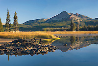 Sparks Lake and Broken Top volcano, Willamette National Forest Oregon