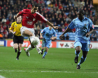 Photo: Rich Eaton.<br /> <br /> Coventry City v Bristol City. The FA Cup. 16/01/2007. Scott Murray, left, scorer of Bristols first goal controls the ball in the box