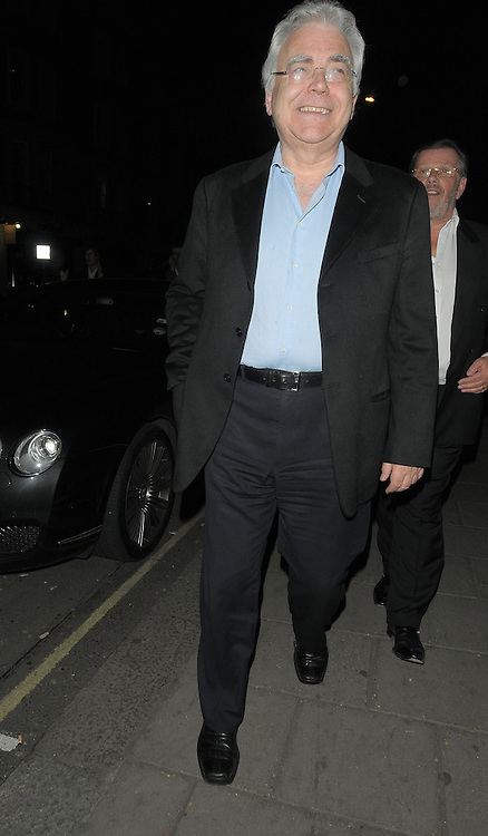 01.APRIL.2011. LONDON<br /> <br /> BILL KENWRIGHT LEAVING THE C RESTAURANT IN MAYFAIR.<br /> <br /> BYLINE: EDBIMAGEARCHIVE.COM<br /> <br /> *THIS IMAGE IS STRICTLY FOR UK NEWSPAPERS AND MAGAZINES ONLY*<br /> *FOR WORLD WIDE SALES AND WEB USE PLEASE CONTACT EDBIMAGEARCHIVE - 0208 954 5968*
