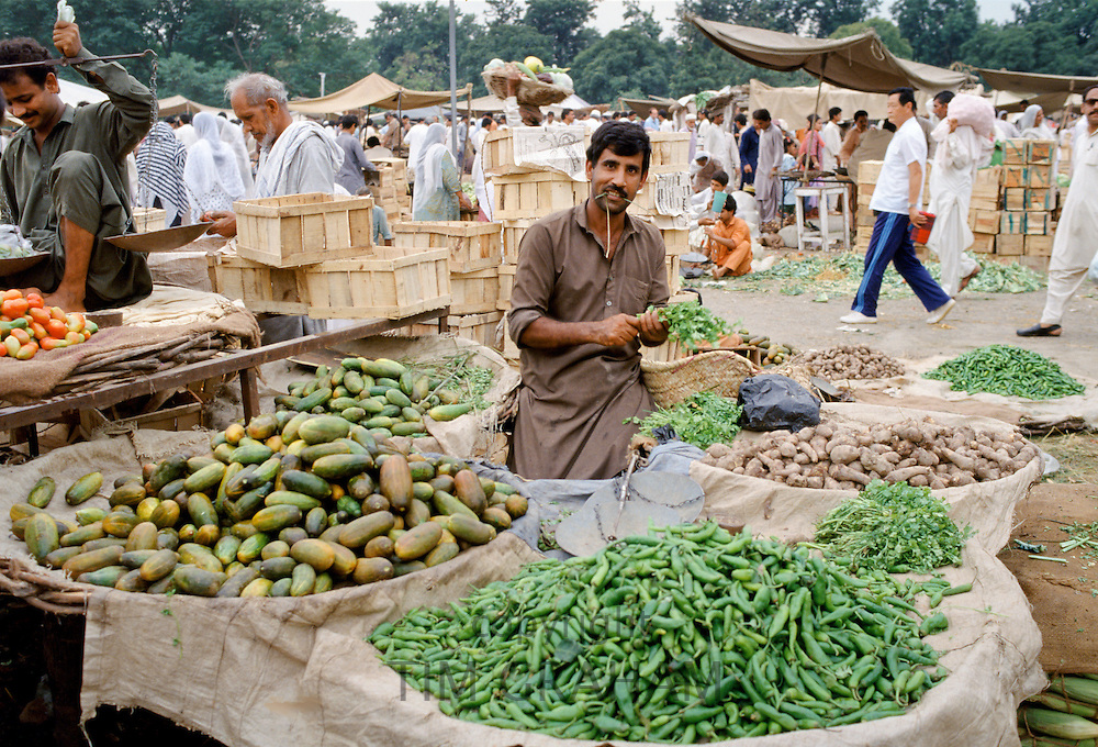 Fruit and vegetable food market in Islamabad, Pakistan
