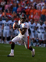 November 21, 2009; Clemson, SC, USA; Virginia Cavaliers wide receiver Vic Hall (4) on a reverse against the Clemson Tigers during the second quarter at Memorial Stadium. Clemson defeated Virginia 34-21.