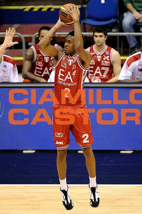 DESCRIZIONE : Milano Lega A 2014-2015 EA7 Emporio Armani Milano Umana Venezia<br /> GIOCATORE : MarShon Brooks<br /> CATEGORIA : Tiro Three Points<br /> SQUADRA : EA7 Emporio Armani Milano<br /> EVENTO : Campionato Lega A 2014-2015<br /> GARA : EA7 Emporio Armani Milano Umana Venezia<br /> DATA : 26/10/2014<br /> SPORT : Pallacanestro<br /> AUTORE : Agenzia Ciamillo-Castoria/Max.Ceretti<br /> GALLERIA : Lega Basket A 2014-2015<br /> FOTONOTIZIA : Milano Lega A 2014-2015 EA7 Emporio Armani Milano Umana Venezia<br /> PREDEFINITA :