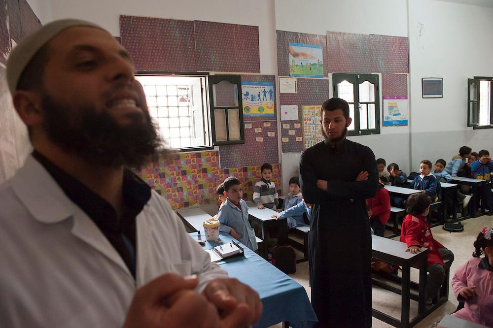 Madrassa in Salafi Mosque in suburb Ettadhamen..madrassa dans mosquée salafiste dans banlieu Ettadhamen