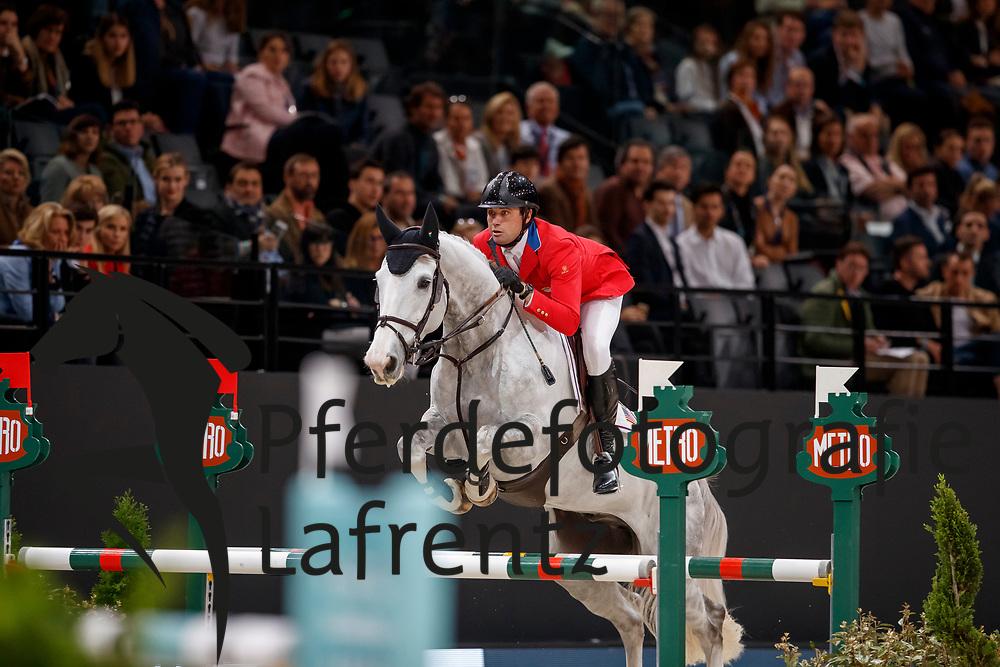 RYAN Devin (USA), Eddie Blue<br /> Paris - FEI World Cup Finals 2018<br /> Longines FEI World Cup Jumping Final III<br /> www.sportfotos-lafrentz.de/Stefan Lafrentz<br /> 15. April 2018