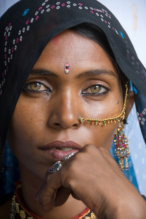 blue eye hindu single women Distinguishing features the most beautiful women with blue eyes   research studies have shown that people born with blue eyes have a single common ancestor blue .