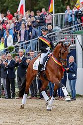 MÖLLER Eva (GER), Valverde 5<br /> Warendorf - Bundeschampionate 2019<br /> Parade der Sieger<br /> Bundeschampion 5 jährige Dressurpferde<br /> 08. September 2019<br /> © www.sportfotos-lafrentz.de/Stefan Lafrentz