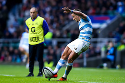 Joaquin Diaz Bonilla of Argentina kicks a conversion - Mandatory by-line: Robbie Stephenson/JMP - 01/12/2018 - RUGBY - Twickenham Stadium - London, England - Barbarians v Argentina - Killick Cup