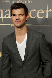 15.11.2012, Kinepolis Cinema, Madrid, ESP, Fototermin Filmpremiere, Twilight Saga, Breaking Dawn, im Bild Taylor Lautner // during the premiere of The Twilight Saga, Breaking Dawn at the Kinepolis Cinema, Madrid, Spain onm 2012/11/15. EXPA Pictures © 2012, PhotoCredit: EXPA/ Alterphotos/ Alvaro Hernandez..***** ATTENTION - OUT OF ESP and SUI *****