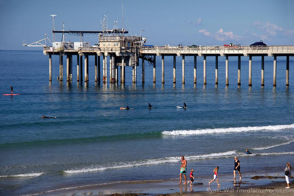 USA, California, San Diego. Scripps Pier, La Jolla, California.