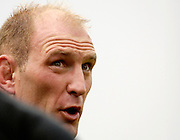 Wycombe, ENGLAND, Lawrence Dallaglio, talks to the team during a London Irish converstion kick, London Wasps vs London Irish  Guinness Premiership Rugby, at the, Causeway Stadium, © Peter Spurrier/Intersport-images.com,  / Mobile +44 [0] 7973 819 551 / email images@intersport-images.com.