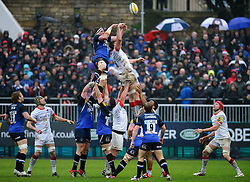 Bath Lock (#4) Stuart Hooper (capt) and Saracens Flanker (#6) George Kruis compete at a lineout during the first half of the match - Photo mandatory by-line: Rogan Thomson/JMP - Tel: Mobile: 07966 386802 22/12/2012 - SPORT - RUGBY - The Recreation Ground - Bath. Bath Rugby v Saracens - Aviva Premiership.