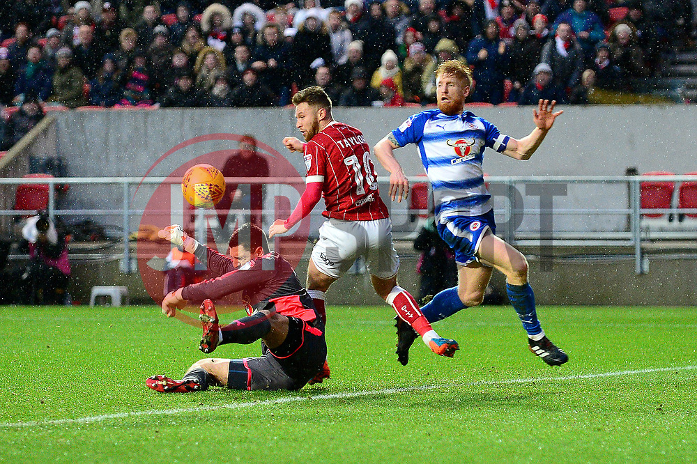 Matty Taylor of Bristol City - Mandatory by-line: Dougie Allward/JMP - 26/12/2017 - FOOTBALL - Ashton Gate Stadium - Bristol, England - Bristol City v Reading - Sky Bet Championship