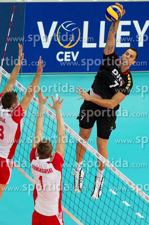 10.09.2011, O2 Arena, Prag, CZE, Europameisterschaft Volleyball Maenner, Vorrunde D, Deutschland (GER) vs Polen (POL), im Bild Michal Kubiak (#13 POL), Piotr Nowakowski (#1 POL) - Georg Grozer (#7 GER / Rzeszow POL) // during the 2011 CEV European Championship, Germany vs Poland at O2 Arena, Prague, 2011-09-10. EXPA Pictures © 2011, PhotoCredit: EXPA/ nph/  Kurth       ****** out of GER / CRO  / BEL ******