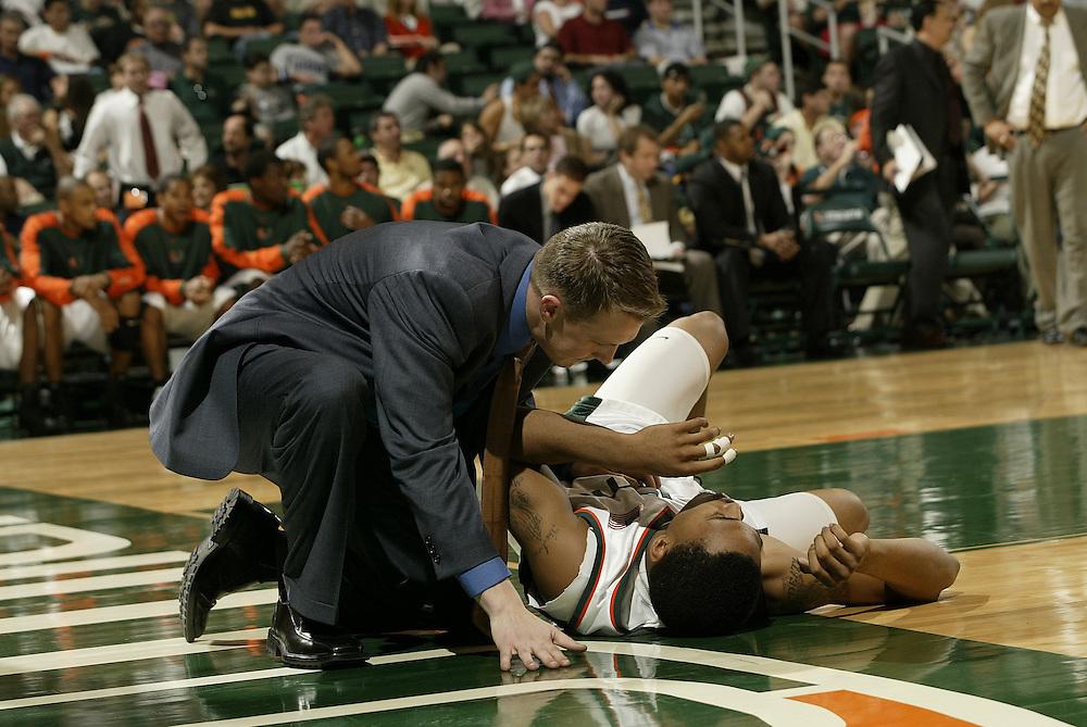 2004 Miami Hurricanes Basketball vs Villanova