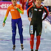NLD/Heerenveen/20130112 - ISU Europees Kampioenschap Allround schaatsen 2013 dag 2, 500 meter dames, Linda de Vries en Claudia Pechstein