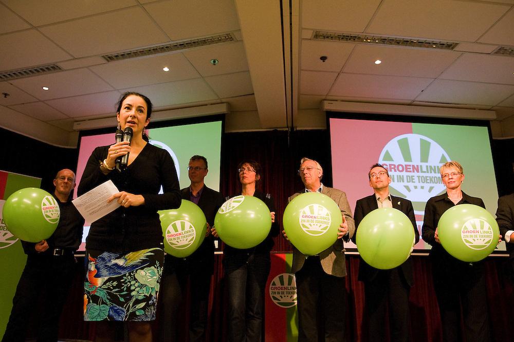 Nederland, Utrecht, 16 jan 2010.Aftrap campagne voor gemeenteraadsverkiezingen 2010 bij Groen Links..Femke Halsema met een achter zich een aantal wethouders van Groen Links..Foto (c) Michiel Wijnbergh..