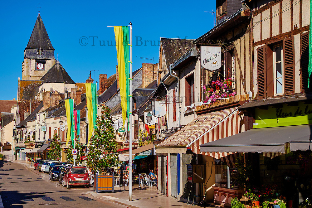 France, Cher (18), Sologne, Aubigny sur Nère, ville des Stuart, rue des Dames et rue des Prieuré, route Jacques Coeur // France, Cher (18), Sologne, Aubigny-sur-Nere, the Jacques Coeur road, City of Stuart