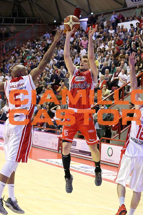 DESCRIZIONE : Campionato 2014/15 Giorgio Tesi Group Pistoia - Grissin Bon Reggio Emilia<br /> GIOCATORE : Silins Ojars <br /> CATEGORIA : Tiro <br /> SQUADRA : Grissin Bon Reggio Emilia<br /> EVENTO : LegaBasket Serie A Beko 2014/2015<br /> GARA : Giorgio Tesi Group Pistoia - Grissin Bon Reggio Emilia<br /> DATA : 19/04/2015<br /> SPORT : Pallacanestro <br /> AUTORE : Agenzia Ciamillo-Castoria/S.D'Errico<br /> Galleria : LegaBasket Serie A Beko 2014/2015<br /> Fotonotizia : Campionato 2014/15 Giorgio Tesi Group Pistoia - Grissin Bon Reggio Emilia<br /> Predefinita :
