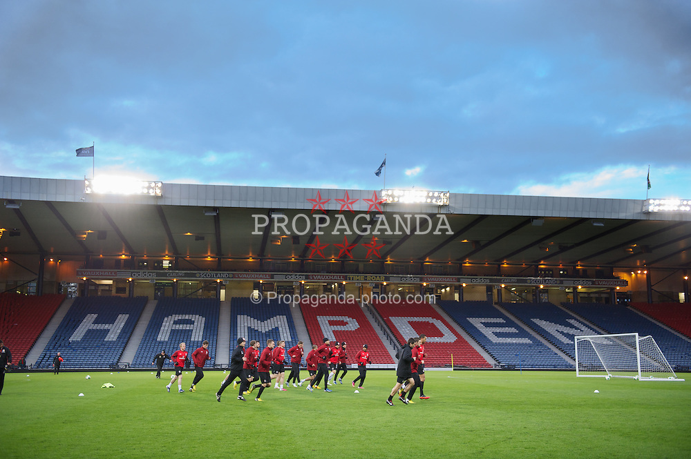 GLASGOW, SCOTLAND - Thursday, March 21, 2013: Wales players during a training session at Hampden Park ahead of the 2014 FIFA World Cup Brazil Qualifying Group A match against Scotland. (Pic by David Rawcliffe/Propaganda)