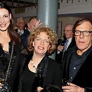 NLD/Amsterdam/20100114 - Uitreiking Twitteraar van het jaar 2009 prijs, Irene van Laar, Brigitte Kaandorp en Frans Molenaar