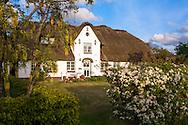 DEU, Germany, Schleswig-Holstein, North Sea,  Amrum island, Friesian house in Nebel.<br /> <br /> DEU, Deutschland, Schleswig-Holstein, Nordseeinsel Amrum, Friesenhaus in Nebel.