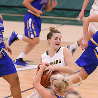 3rd year guard Britton Belyk (11) of the Regina Cougars in action during the Women's Basketball Preseason game on October 14 at Centre for Kinesiology, Health and Sport. Credit: Arthur Ward/Arthur Images