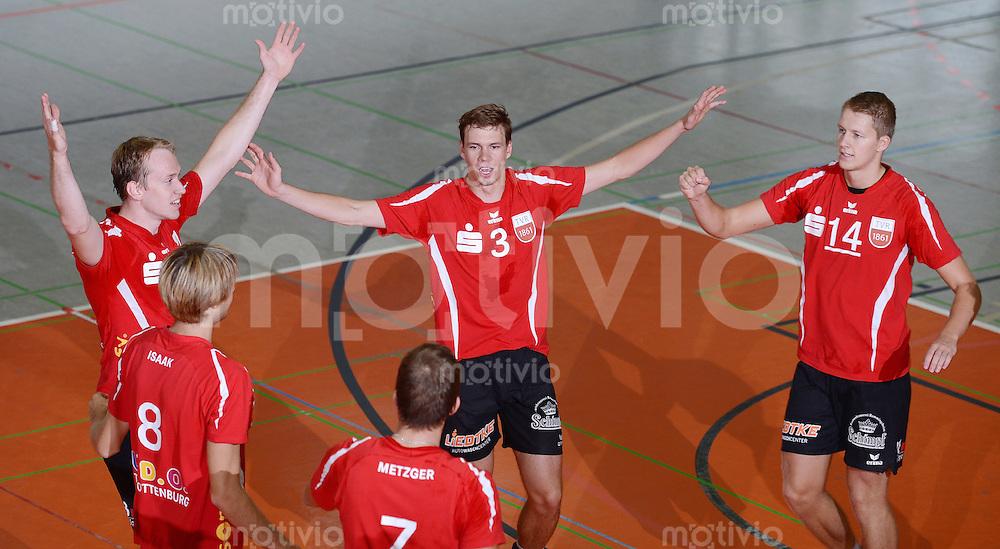 Volleyball 1. Bundesliga  Saison  2012/2013  05.09.2012 TV Rottenburg  - SV Fellbach Markus Pielmeier, Felix Isaak, Sven Metzger, Michael Neumeister und Rene Bahlburg (v.li., TVR)