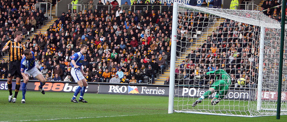 Hull - Saturday, January 24th, 2009: Michael Turner of Hull City scores the first goal during the FA Cup fourth round match at the KC Stadium, Hull. (Pic by Darren Walker/Focus Images)