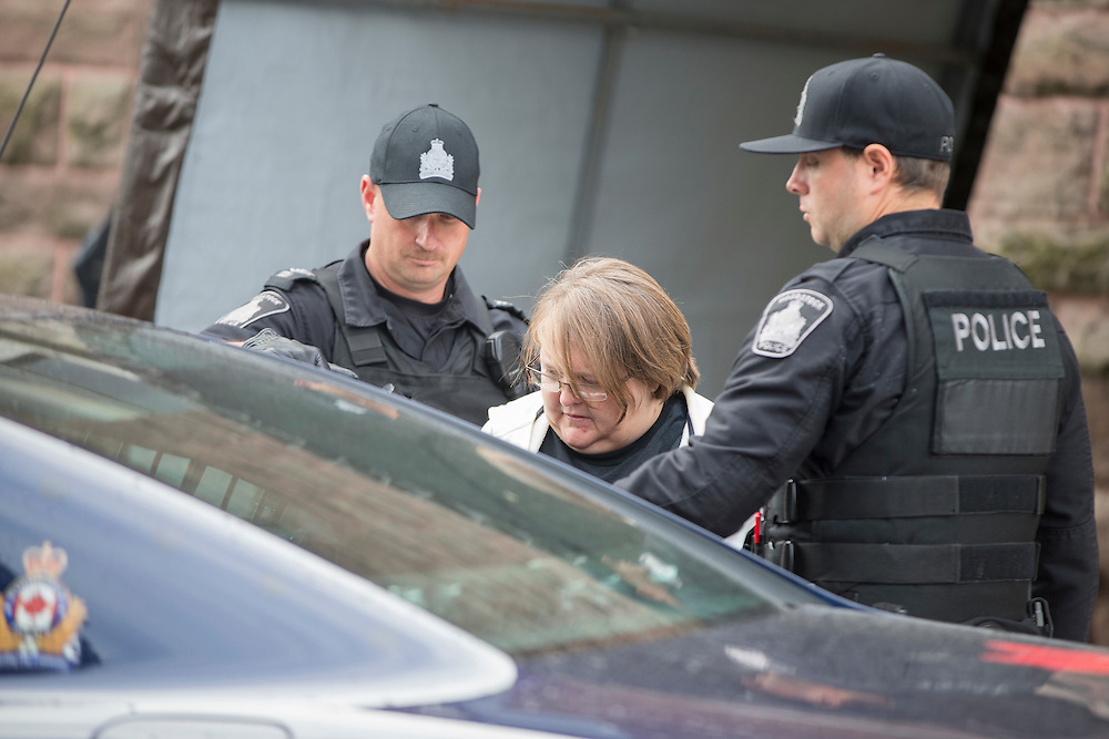 Woodstock, Ontario ---2016-10-25---Elizabeth Tracey Mae Wettlaufer, the accused in the murder of 8 elderly patients in Southern Ontario leaves the courthouse in Woodstock, Ontario, October 25, 2016.<br /> GEOFF ROBINS The Globe and Mail