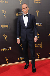 Michael Kelly bei den Creative Arts Emmy Awards in Los Angeles / 100916<br /> <br /> <br /> *** at the Creative Arts Emmy Awards in Los Angeles on September 10, 2016 ***