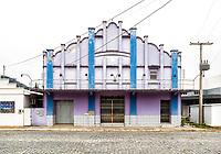 Prédio onde funcionava a sala de cinema da cidade. Urubici, Santa Catarina, Brasil. / Building where used to be the movie theater of the town. Urubici, Santa Catarina, Brazil.