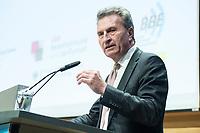 """04 DEZ 2017, BERLIN/GERMANY:<br /> Guenther Oettinger, CDU, EU-Kommissar fuer Haushalt und Personal, haelt eine Rede, Europäischer Abend """"Europäische Solidarität: Was darf's kosten?"""", dbb beamtenbund und tarifunion, dbb Atrium<br /> IMAGE: 20171204-01-058<br /> KEYWORDS: Europaeischer Abend, Günther Öttinger"""