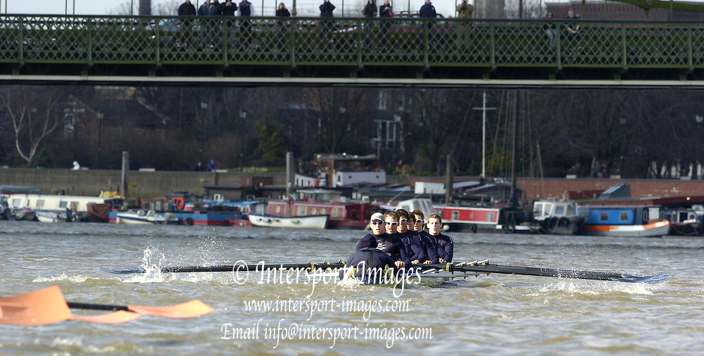 2005 Boat Race, Pre race fixture, Oxford UBC vs Leander Club, Putney, London;  ENGLAND; Oxford University Boat Club approach Hammersmith  Bridge.  Bow Robin Bourne-Taylor, 2. Barney Williams, 3. Peter Reed. 4. Joe Von Maltzahn, 5. Chris Liwski, 6. Mike Blomquist, 7. Jason Flickinger, Stroke, Andrew Twiggs-Hodge and Cox Acer Nethercott,.Photo  Peter Spurrier. .email images@intersport-images...[Mandatory Credit Peter Spurrier/ Intersport Images] Varsity:Boat Race Rowing Course: River Thames, Championship course, Putney to Mortlake 4.25 Miles