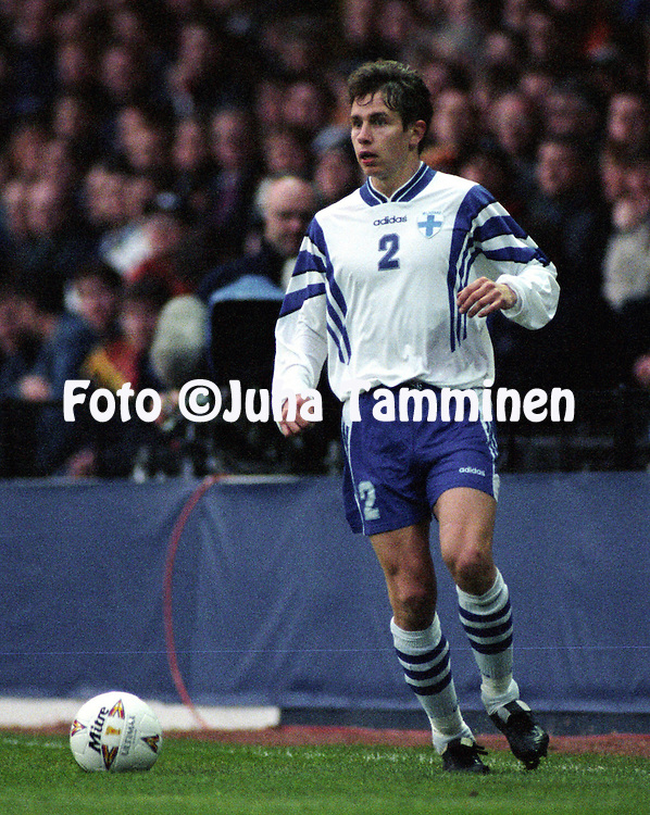 22.04.1998 Easter Road Stadium, Edinburgh, Scotland. Friendly International match, Scotland v Finland. .Harri Yl?nen - Finland.©JUHA TAMMINEN