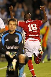 Zé Roberto comemora seu gol no goleiro Vítor, do Grêmio no GRENAL 387, no qual o S. C. Internacional sagrou-se Campeão Gaúcho 2011, no Estadio Olimpico em Porto Alegre. FOTO: Jefferson Bernardes/Preview.com