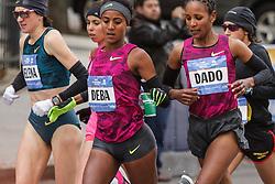 NYC Marathon, Deba shares water with Dado