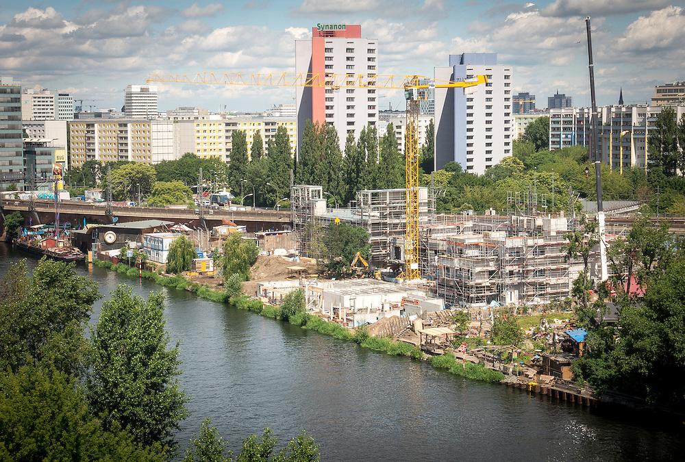 Germany - Deutschland - Holzmarkt Projekt;GUKEG, Genossenschaft für Urbane Kreativität; Baustelle, Katerblau (Bar25), Pampa, Meow; BERLIN, 16.06.2016: © Christian Jungeblodt