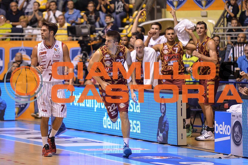 DESCRIZIONE : Supercoppa 2015 Semifinale Olimpia EA7 Emporio Armani Milano - Umana Reyer Venezia<br /> GIOCATORE : Jeff Viggiano<br /> CATEGORIA : Ritratto Esultanza<br /> SQUADRA : Umana Reyer Venezia<br /> EVENTO : Supercoppa 2015<br /> GARA : Olimpia EA7 Emporio Armani Milano - Umana Reyer Venezia<br /> DATA : 26/09/2015<br /> SPORT : Pallacanestro <br /> AUTORE : Agenzia Ciamillo-Castoria/L.Canu