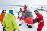 Rega Helikopter mit Paramedic und Bergführer