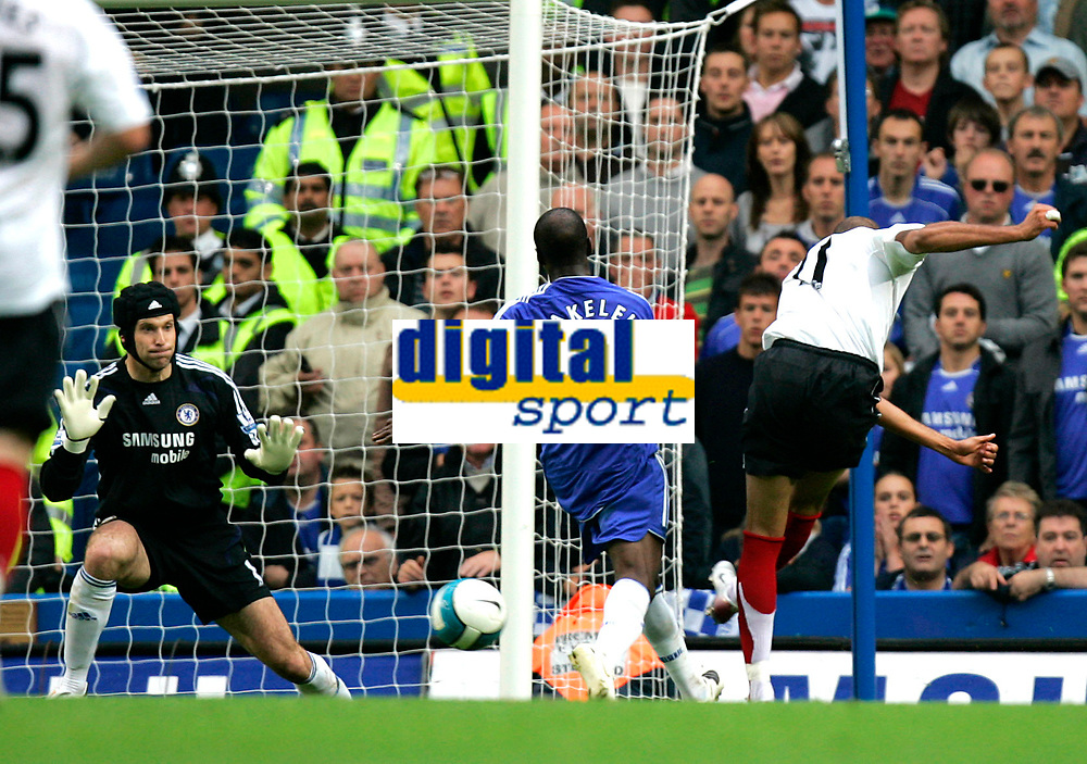 Chelsea v Fulham. Barclays Premier League. 29/09/2007. Diomansy Kamara of Fulham wasted his chance to score. Goalkeeper of Chelsea Petr Cech saves the ball.