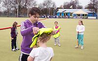 MAASSLUIS - Cheryl de Wildt, gemeente combinatiefunctionaris.  Hockeyclub Evergreen, een kleine vriendelijke laagdrempellige hockeyclub. , FOTO KOEN SUYK
