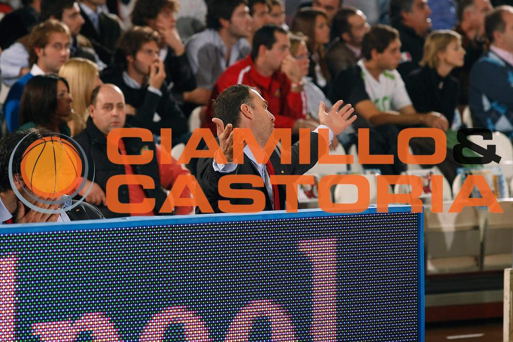 DESCRIZIONE : Varese Lega A1 2007-08 Cimberio Varese Solsonica Rieti<br /> GIOCATORE : Veljko Mrsic<br /> SQUADRA : Cimberio Varese<br /> EVENTO : Campionato Lega A1 2007-2008<br /> GARA : Cimberio Varese Solsonica Rieti<br /> DATA : 14/10/2007<br /> CATEGORIA : Delusione<br /> SPORT : Pallacanestro<br /> AUTORE : Agenzia Ciamillo-Castoria/G.Cottini
