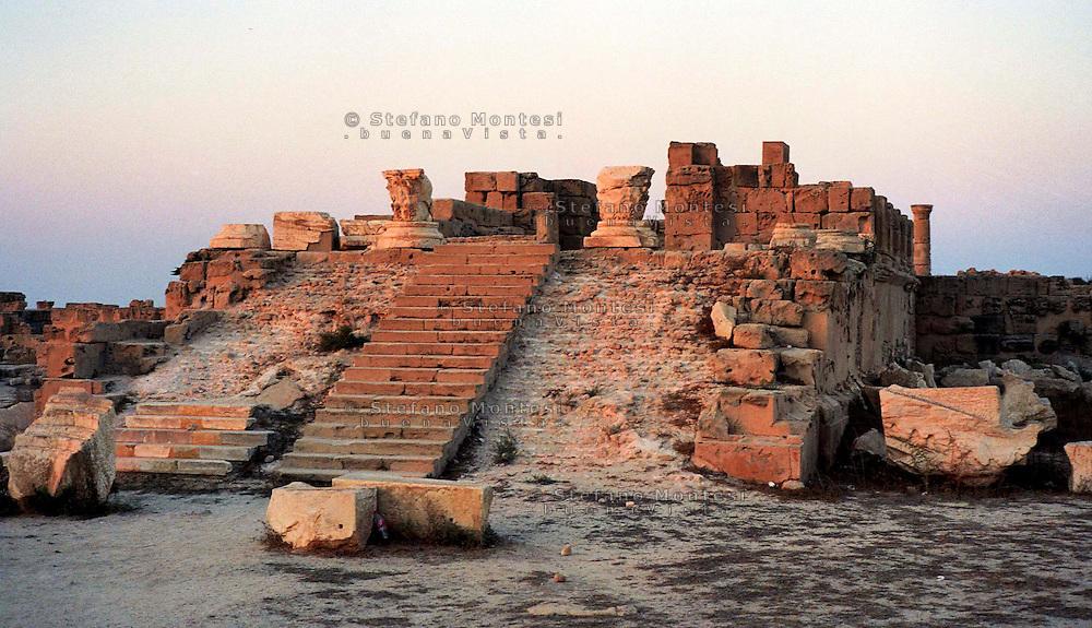 Libia  Sabratha .Città  romana a circa 67km da Tripoli.Il Tempio di Antonino.<br /> Sabratha Libya.Roman city about 67km from Tripoli. <br /> The Temple of Antoninus.