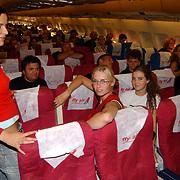 Miss Nederland 2003 reis Turkije, missen in vliegtuig