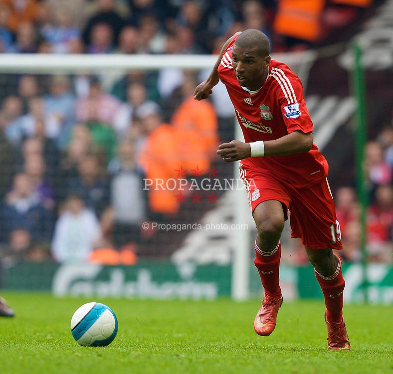 LIVERPOOL, ENGLAND - Sunday, May 4, 2008: Liverpool's Ryan Babel in action against Manchester City during the Premiership match at Anfield. (Photo by David Rawcliffe/Propaganda)